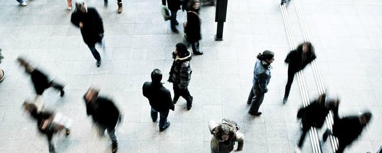 Menschenmenge_schmal.jpg